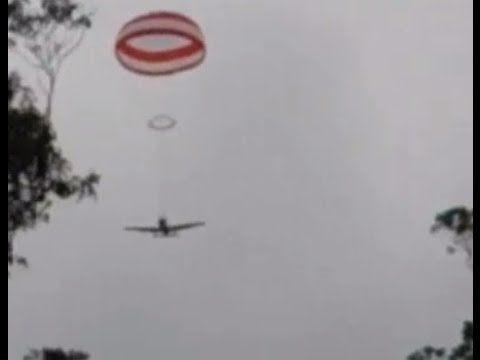 Parachute softens plane crash landing in Blue Mountains, Australia - YouTube