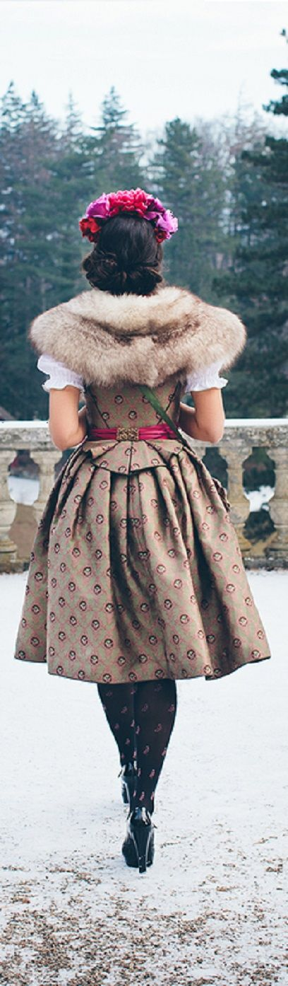 Sportalm Kitzbühel - Ulrike Walz - That will be my next - In the meantime I have this Dirndl in my closet - very much silk, very expensive, but his money worth. I'm wearing it, just like here, with a fur collar. It looks very classy and all stare at you - inside I have to laugh. The creators at Sportalm - thank you for your strong sense of WOW effects.These are the Rolls Royce of the Dirndl.