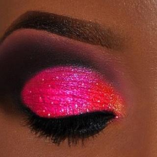 PERFECTION..hot pink eye and loving it!!: Pink Eye, Eye Makeup, Eye Shadows, Hot Pink, Pink Glitter, Eyeshadows, Eyemakeup, Bright Colors, Glitter Eye