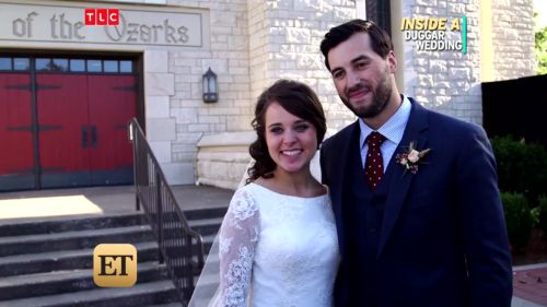 Inside Jinger and Jeremy's Woodland wedding. Source: https://www.google.com/amp/s/amp.etonline.com/news/202815_exclusive_inside_jinger_duggar_woodland_themed_wedding_and_first_kiss/ampdoc.html?client=safari