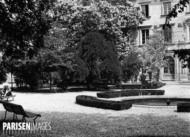 Jardins de l'Ecole Normale Supérieure, rue d'Ulm. Paris (Vème arr.), 23 janvier 1946.