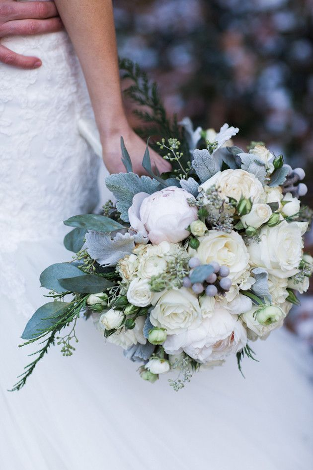 Winter Bouquet |  Glamorous Winter Wedding | The Jon Hartman Photography Co | Bridal Musings Wedding Blog