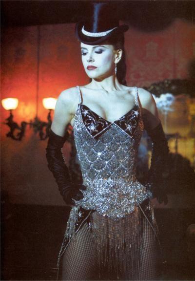 7. Платье Сатин из «Мулен Руж» (2001), роль которой досталась актрисе Николь Кидман (Nicole Kidman).