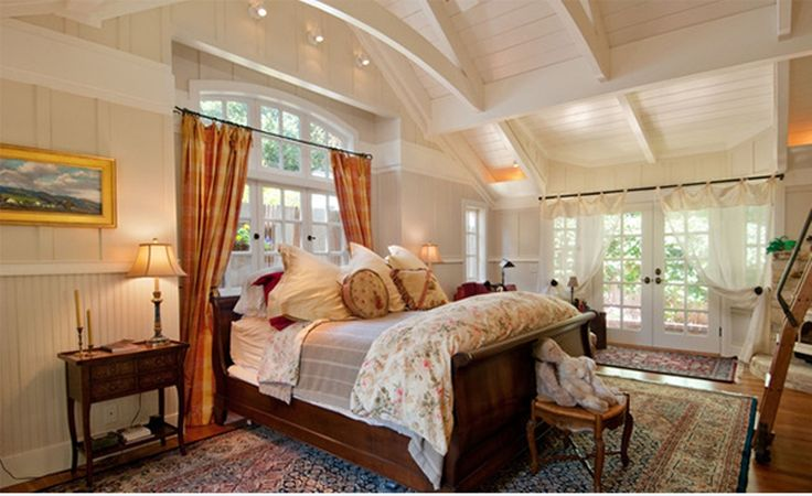 nice Exposed Wooden Roof Beams in Bedroom