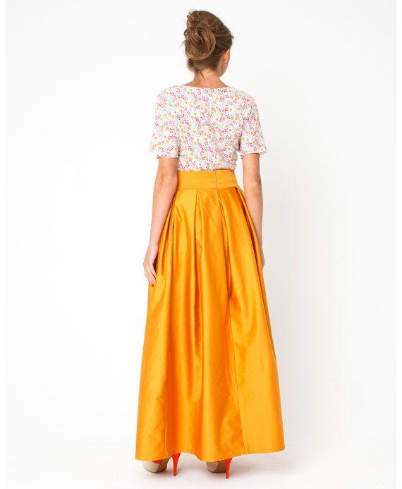Yellow maxi skirt. The length of the floor. Summer by DressLighte