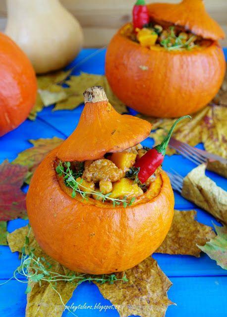 Gulasz pieczony w dyni. Bardzo jesienny i pikantny.