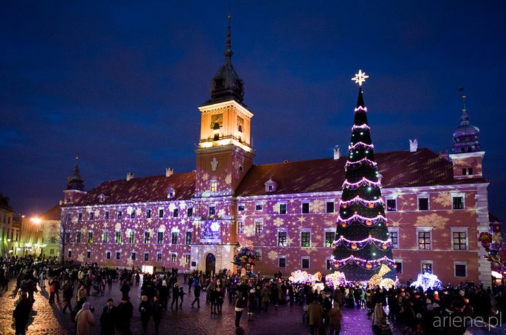 Welcome to visit my blog post about illuminated Xmas tree at Old Town, Zygmunt Square and Royal Castle in Warsaw, Poland. Seasonal attraction for Christmas in popular travel destination. Night long exposure.