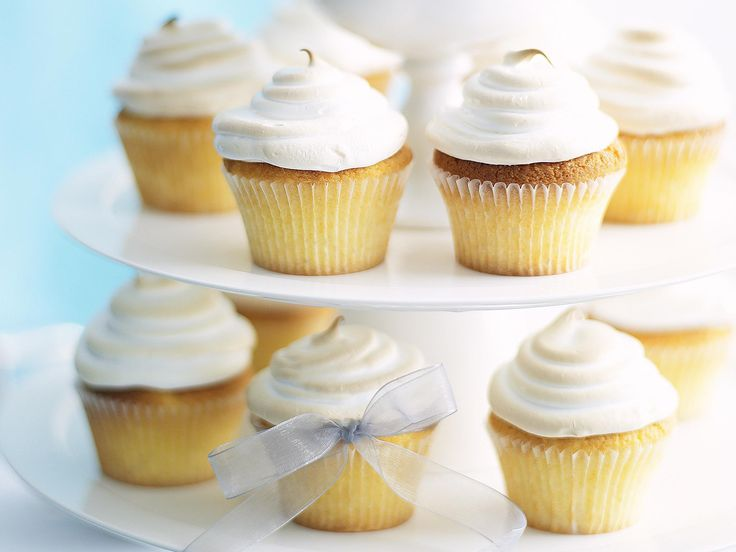Mix up the classic lemon meringue pie by creating cute cupcakes that are perfect as party food or a gift.