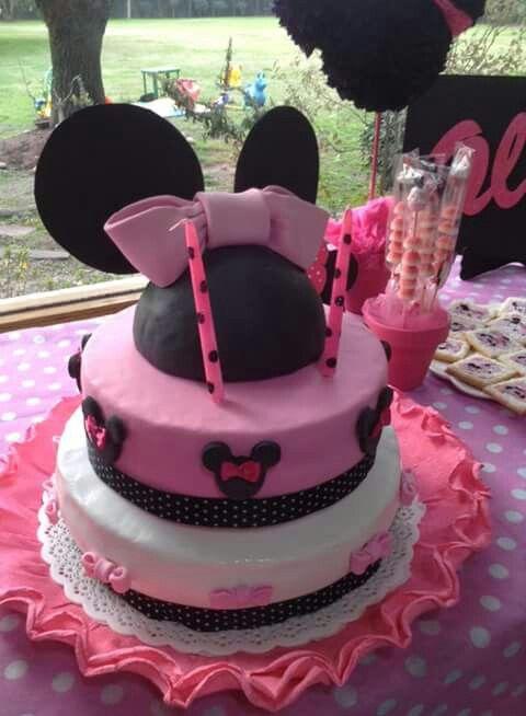 Minnie Birrhday cake