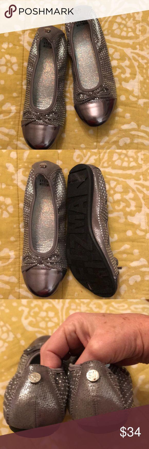 Shoe New Stuart Wiseman little girls ballet flats sparkles on them and their size 2 Stuart Weitzman Shoes #stuartweitzmanflats