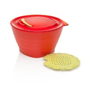Collapsible Microwave Steamer. Great for steaming food for babies and toddlers!