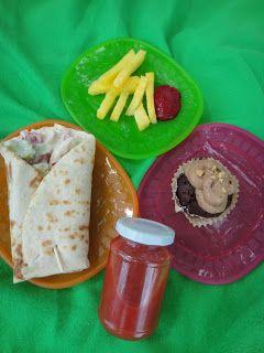 Zusammen schmeckt's besser Ananas-Pommes mit Himbeer-Ketchup Gemüsewrap veganer Schoko-Erdnuss-Cupcake Wassermelonen-Tomaten-Gazpacho
