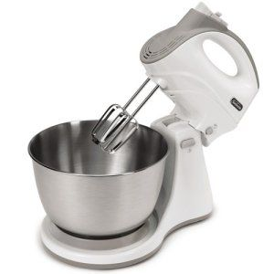 Sunbeam Hand and Stand Mixer 5 Speed: A stand mixer doesn't really have to burn a hole in your pocket so without further ado, the Sunbeam FPSBHS0301 Speed Hand and Stand Mixer. This is an affordable, lightweight stand mixer that is an ideal choice for the enthusiast. It can easily turn into a hand mixer and will require minimum effort to work.