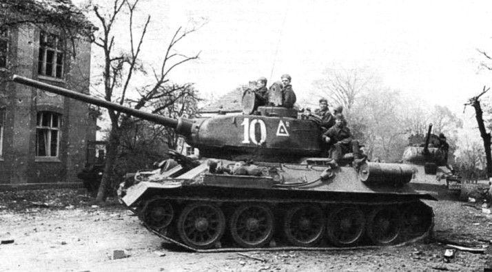 фото снимок ВОВ Т-34/85 9-го Гвардейского танкового ...