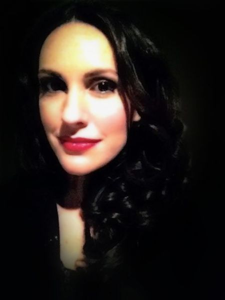 Beautiful singer Korina Legaki backstage before her performance @Gazarte