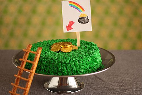 Leprechaun trap cake: Bundt Cakes, Green Color, St. Patties, St. Patrick'S Day, Holidays Ideas, Awesome Cakes, Leprechaun Traps, Rainbows Cakes, Food Cakes