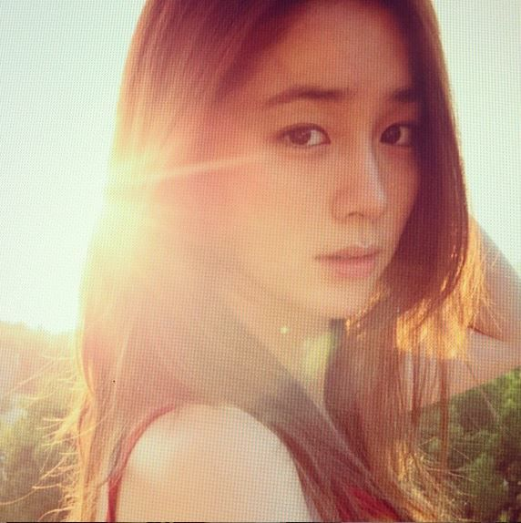 Lee Min Jung Updates Fans With New Photos for the First Time Since Giving Birth