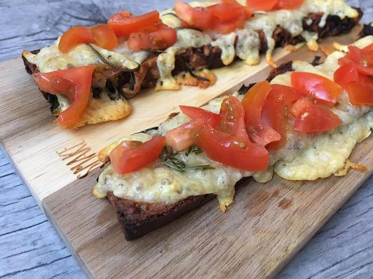 Lavkarbo | Bruschetta m/ ost og tomat