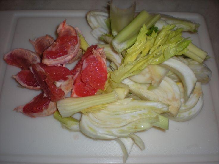 Centrifugato di verdura e frutta dal sapore aromatico. Molto buono e povero di calorie.