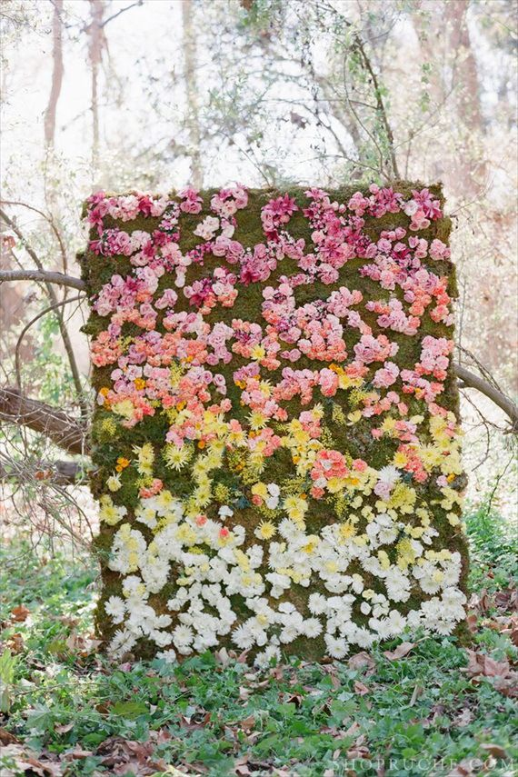 flower backdrops - outdoor fresh floral wall backdrop (via ruche, photo by elizabeth messina, floral by tricia fountaine design)