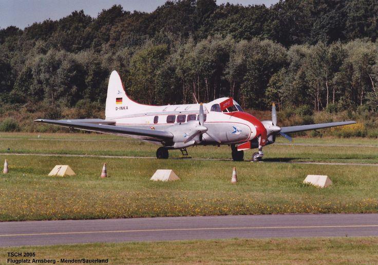 de Havilland D.H. 104 Dove auf dem Flugplatz Arnsberg - Menden/Sauerland 2005
