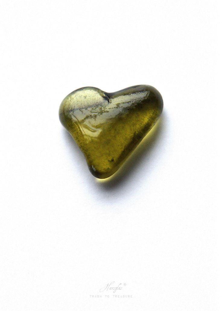 Poster Greenheart www.havsglas.se #seaglass #havsglas #poster #interior #interiordetails #heart
