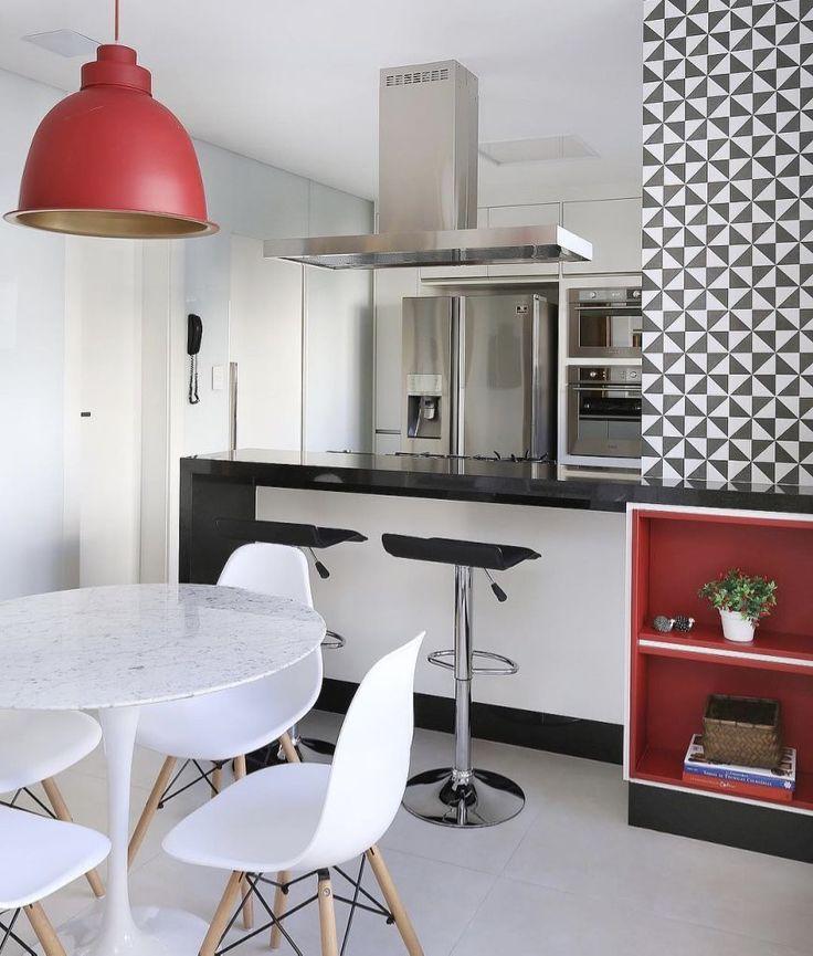 Para quem quer decorar uma sala de jantar pequena — conheça nossa incrível seleção com 70 fotos e ideias para você acertar na decoração do projeto.