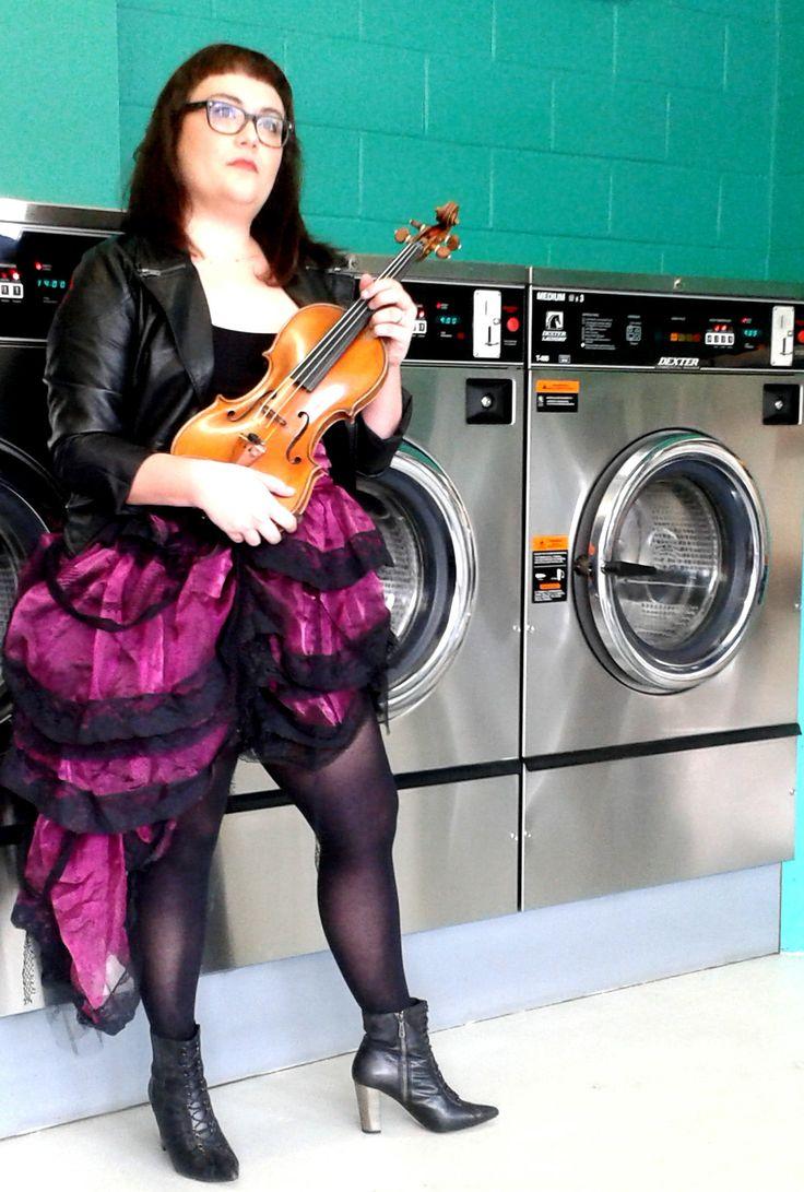 Violinist visit at the laundromat - www.snaplaundromat.com.au #Snap Laundromat #snaplaundromat #Taringa #Laundromats #Brisbane #CollusionMusic #violin