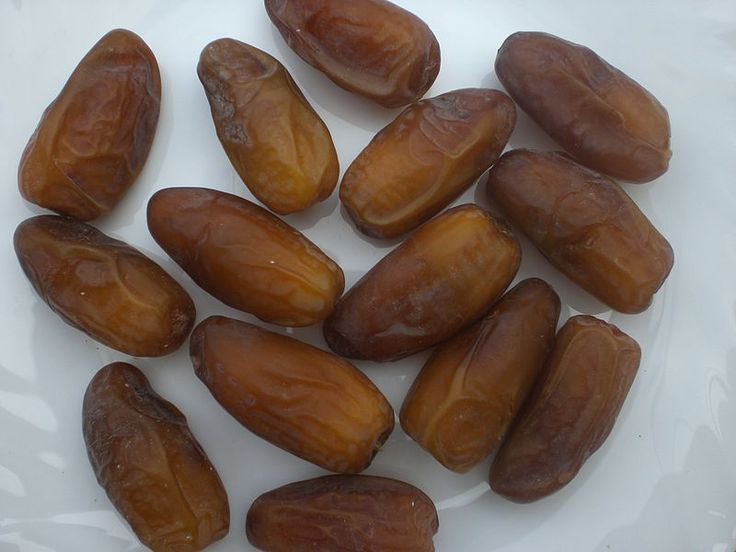 Eating 6 dates per day in the last 4 weeks of pregnancy can decrease the chance of induction and could cut the length of labour in half!