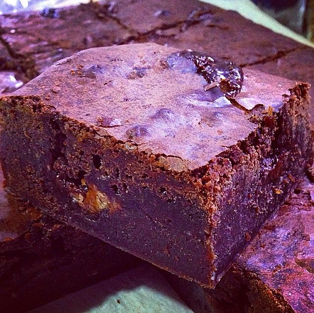 Brownies with two chocolates and hazelnuts