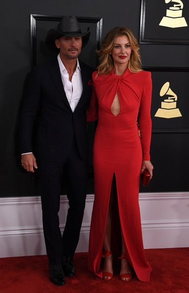 Faith Hill Photos Photos - Tim McGraw and Faith Hill arrive for the 59th Grammy Awards on February 12, 2017, in Los Angeles, California.  / AFP / Mark RALSTON - The 59th GRAMMY Awards - Arrivals