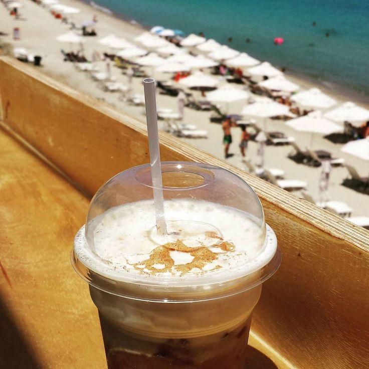 Morning cappuccino freddo, gorgeous beach views 😎☕🍵👙⛵ #goodmorning #morning #beach #beachbar #beachlife #coffee #cappuccino #freddo #latte #seaside #sea #bluesea #umbrellas #instacoffee #instalike #coffeelover #coffeelovers #coffeegram