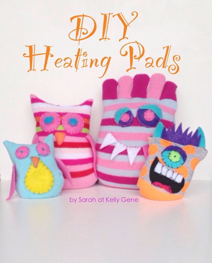 The cold days of winter call for some warming craft ideas. Here's an easy and inexpensive project that makes for some cozy little gifts! SUPPLIES: Uncooked Rice Clean Socks Felt Needle Thread 1. Fi...