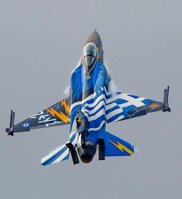 "Hellenic Air Force Lockheed-Martin F-16CJ Block 52+ Fighting Falcon ""Zeus"" solo display"