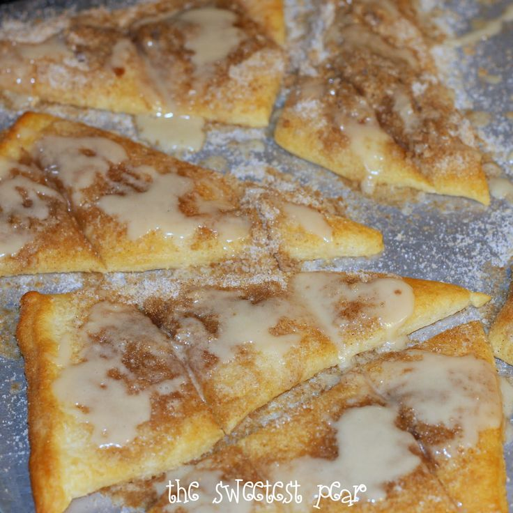 SUGAR CRUMB CRISPY 1/4 cup butter cold 1/4 cup sugar 1/4 cup brown sugar 1/2 cup flour 1 can Pillsbury Crescent Rolls Cut butter into sugars, cinnamon, salt,flour to form crumbs. On ungreased cookie sheet, separate crescent roll dough into 8 triangles. Sprinkle crumbs on top. Bake at 400  for 8-12 minutes. GLAZE 1/2 cup powdered sugar 1 Tbsp. softened butter 1-1/4 tsp. vanilla 1 to 1-1/2 Tbsp. milk