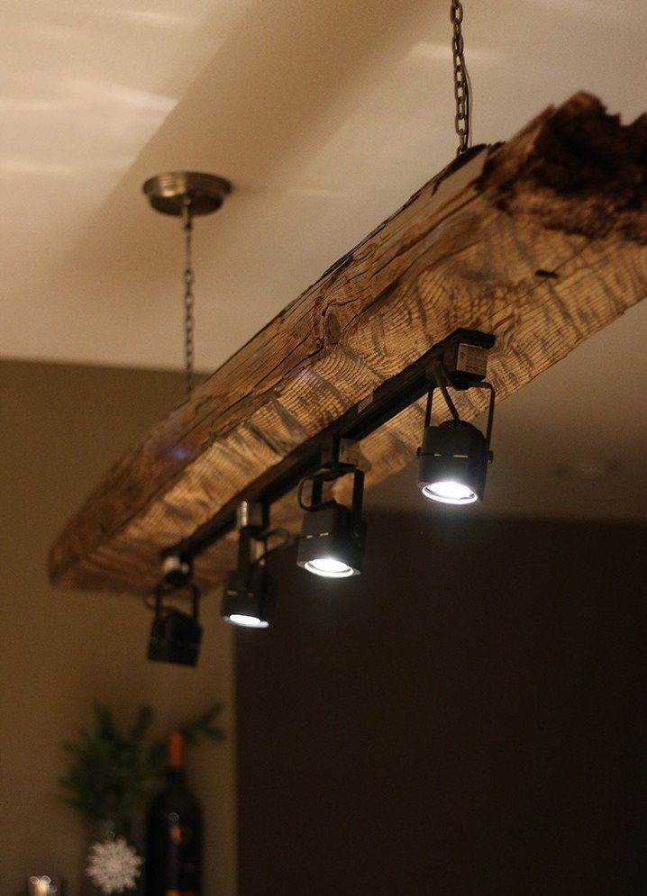 Track Light Chandelier Holz Terrassendielen Holzzaun Holzplatte Holzbalken Carport Holz Kan In 2020 Rustic Lighting Wooden Light Fixtures Rustic Kitchen Lighting