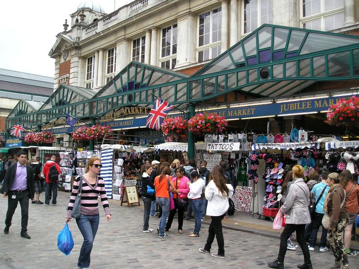 Covent Garden in London. 9 best destinations in London for shopping >>> http://bit.ly/1NSII2A