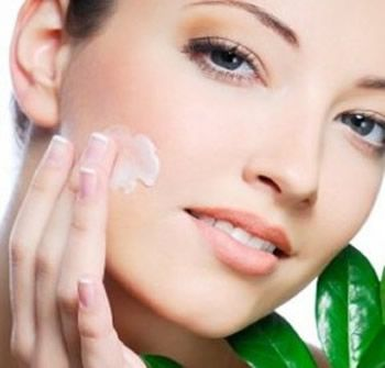 Best Skin Moisturizer is the Right Solution for Dry Skin Drawback