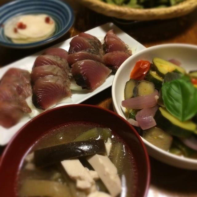 今年初めての枝豆。 クジラかやき、三度目の正直で美味しくできました。 - 8件のもぐもぐ - クジラかやき、ラタトゥイユ、鰹刺身、枝豆。 by raku0dar