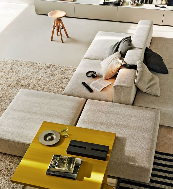 Sectional upholstered modular #sofa FREESTYLE by MOLTENI & C. | #design Ferruccio Laviani #interiors @Molteni Dada