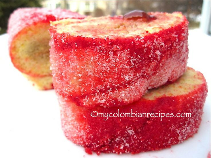 Rollo Rojo de Guayaba (Colombian Red Roll Cake with Guava) | My Colombian Recipes