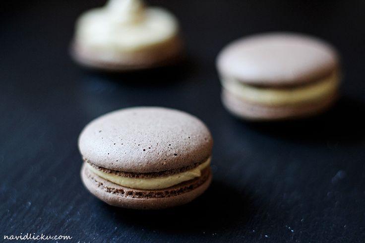 Coffee Buttercream Macarons / Makronky s kávovým krémem | Na vidličku food blog