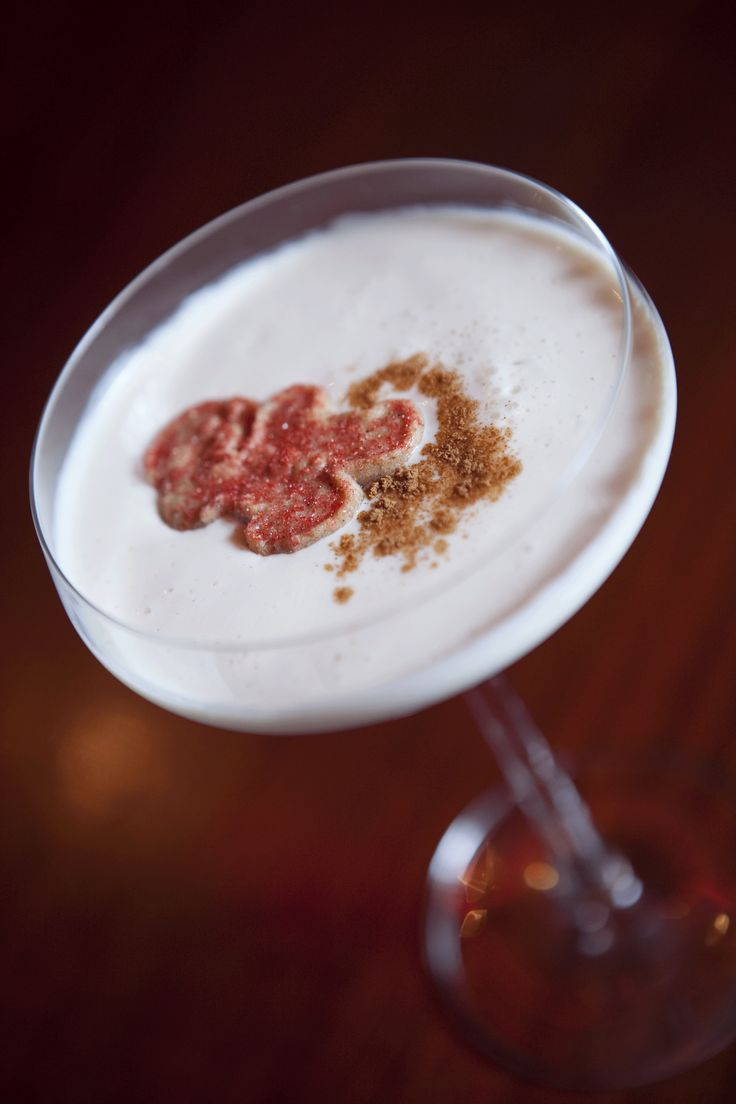 White Xmas  Ingredientes: Ingredientes: 1 ¼ oz. de vodka de vainilla, ½ oz. de amaretto, ½ oz. de brandy, ½ oz. de Bailey's Ice cream base y Splash Sour a gusto.  (Foto: Alberto Bartolomei/GFRMedia)