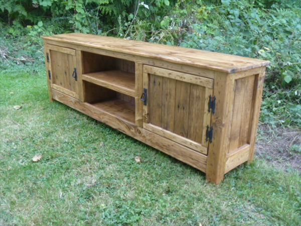 DIY Pallet TV Stand Media Cabinet
