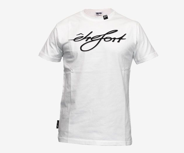 The first ETRE-FORT Bio T-Shirt. 100 % Bio-Cotton.  Get it here: http://www.etre-fort.com/product/organic-t-shirt-etrefort #etrefort