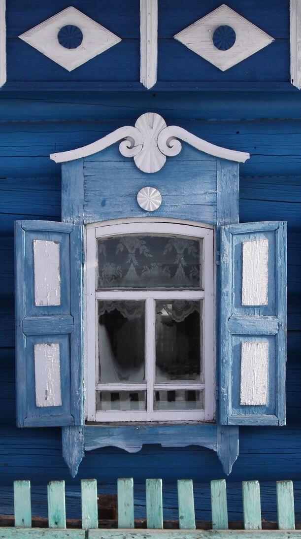 I love this window, so pretty! Irkutsk, Siberia, Russia