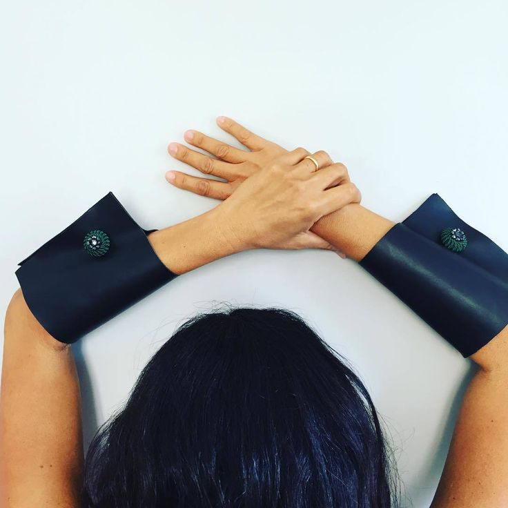Detachable wrist cuff, shirt extension. Do you like to be unique @Etsy Vquadroitaly