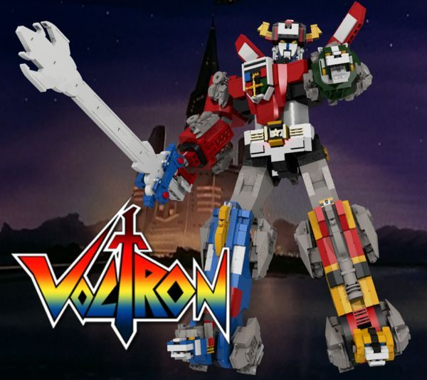LEGO builder len_d69 created this SPECTACULAR Lion Force Voltron LEGO model, which when fully assembled becomes a 16″ tall and 2.2 lb robot! The concept i