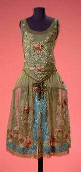 Boue Soeurs Gold Lace Robe de Style; French, circa 1925