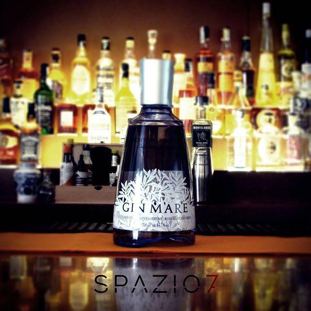 **Bottle in Space7** nuovo arrivo SPAZIO7 ●GIN MARE Mediterranean Gin Spagna Il…